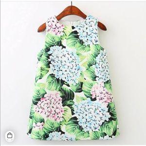 Other - Beautiful Hydrangea dress